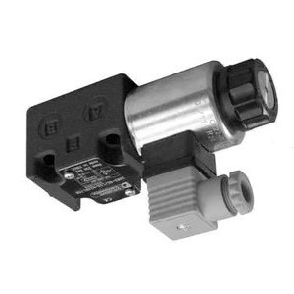 """WALVOIL SD5 3/8"""" BSP DOUBLE ACTING HYDRAULIC LEVER CONTROL 3 BANK VALVE @735"""